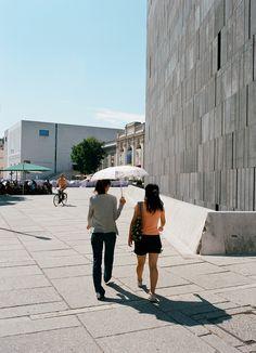MQ Wien: MQ Haupthof © Lisi Specht