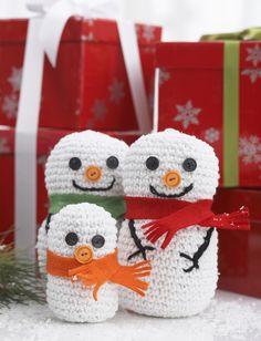 Snowman Family - Free Crochet Pattern - (yarnspirations)