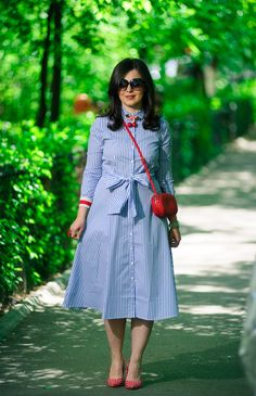 Stripes and dots for a lovely spring: shirt dress, striped dress, midi dress, summer dress, red shoes, dotted shoes, heels, belted dress