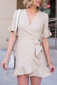 89a5a72a26d The Cutest Ruffle Wrap Dress - Straight A Style Forårsoutfits