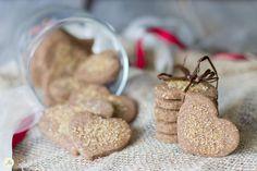 Biscotti veg al grano saraceno. Biscotti croccanti e profumati, senza latticini, senza uova, con zucchero di canna e senza glutine, adatti proprio a tutti!