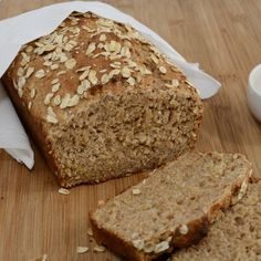 is a healthy Oat Quick Bread. I think you could substitute the honey with Agave Nectar too!This is a healthy Oat Quick Bread. I think you could substitute the honey with Agave Nectar too! Healthy Homemade Bread, Healthy Bread Recipes, Homemade Breads, Bagels, Honey Oat Bread, Oatmeal Bread, Banana Bread, Honey Butter, Yummy Snacks