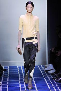 http://www.supermodel.pl/zdjecia_uzytkowe/balenciaga_fashion_week_sport_moda.jpg