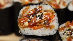 Roll up the best sushi sandwich you've ever had! This tofu katsu onigirazu is filled with crispy baked tofu, sushi rice, pickled veggies, spicy mayo & sweet tonkatsu sauce. Vegetarian Sushi Rolls, Tofu Sushi, Firm Tofu Recipes, Sushi Rice Recipes, Sushi Recipe Video, Sushi Fillings, Sushi Bake, Sushi Sandwich, Onigirazu