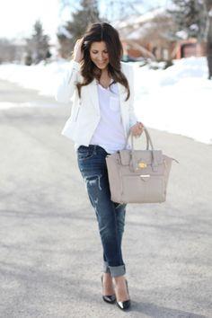 Blazer: c/o Zara // Tee: Wilfred // Boyfriend Jeans: AE // Purse: Topshop // Heels: Zara