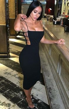 This gorj' Black Side Cut Midi Dress is to die for. With a elegant side cut design, bodycon fit and midi length this perfect for your next classy occasion. Team with a pair of classy heels to complete to sophisticated look. Sexy Dresses, Cute Dresses, Fashion Dresses, Classy Outfits, Cute Outfits, Look Kim Kardashian, Night Out Outfit, Side Cuts, Mini Vestidos