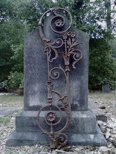 Cast iron in Alabama on a Tombstone