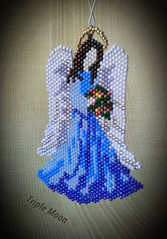Triple-Moon: Feliz Navidad Feliz vacaciones Beaded Flowers Patterns, Native Beading Patterns, Peyote Beading Patterns, Beaded Jewelry Patterns, Christmas Perler Beads, Beaded Christmas Ornaments, Beaded Angels, Beaded Crafts, Beaded Cross Stitch
