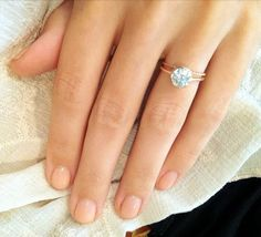 Gorgeous wedding band and engagement ring in rose gold. So Simple