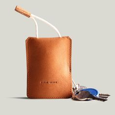 Free shipping Genuine leather men car key holder women fashion leather key case with luxury packaging US $35.62