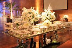 mesa de doces em branco