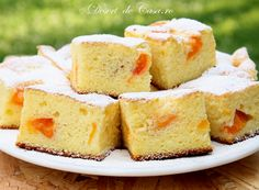Fresh Fruit Sponge Cake - great dessert or tea time treat recipe, which can be adapted to suit whatever fruit you have on hand. Healthy Sugar, Healthy Treats, Fruit Sponge Cake, Apricot Cake, Healthy Meals For Two, Great Desserts, Sugar Free Recipes, Coffee Cake, Tray Bakes