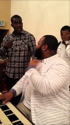 Le'Andria Johnson singing to her husband