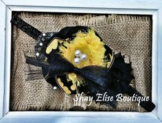 Gorgeous Batman headband perfect for that little superhero in your family! This item can also be made with a customized Batman tutu to accompany. Please message me if you are interested. When purchasing, please let me know the age of the child the headband will be made for. Thank you! :)