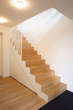 Einbauschränke und Auszugschränke unter Treppe Banquettes, White Hallway, Loft Stairs, Stairways, Sweet Home, New Homes, Living Room, Savannah, Illustrations