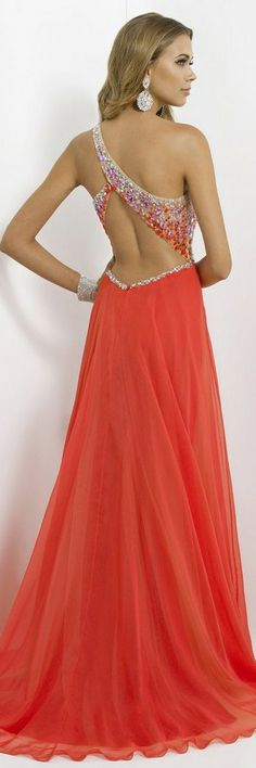 How convenient. The back to the dress I just pinned!