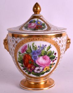A LATE 18TH CENTURY PARIS PORCELAIN SUCRIER AND COVER painte