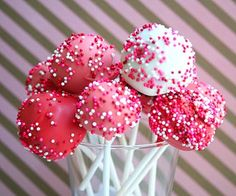 Valentine's Cake Pops (Fun Projects with Kids) - by All Day I Dream About Food Valentines Day Cakes, Valentine Treats, Be My Valentine, Wedding Cake Pops, Wedding Cakes, Strawberry Cake Pops, Cookie Pops, Cupcake Cookies, Fun Projects
