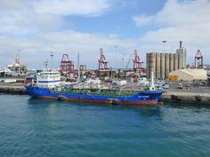 Puerto de Las Palmas. Gran Canaria     : Buque Tanker Santorini atracado en el Puerto de La...