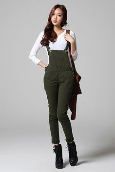 Khaki Skinny Overalls. Boots. Winter Outfit