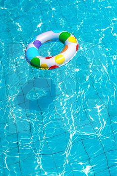 boia piscina colorida - Google Search