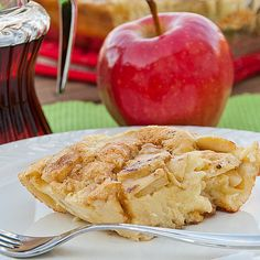My family absolutely loves German pancakes, otherwise known as hootenannies at our house. So when I saw Sharlene Hawkes on KSL's Studio 5 sharing a recipe for German Apple Pancakes, I had to give them a try. It does require… Love Food, A Food, Food And Drink, Breakfast Dishes, Breakfast Recipes, Breakfast Ideas, German Apple Pancake, German Pancakes, Brunch Dishes