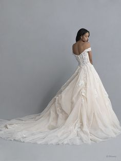 Disney Wedding Dresses 2020 - a beautiful collection of Disney Wedding Dresses and gowns from the Fairytale Wedding Collection. Browse these 16 Disney Wedding Dresses and Gowns inspired by the Disney Princesses Belle, Tiana, Snow White, Cinderella and Tiana. Disney Inspired Wedding Dresses, Belle Wedding Dresses, Wedding Gowns, Disney Weddings, Wedding Bells, After Wedding Dress, Dubai Wedding, Fairytale Weddings, Amazing Weddings