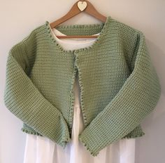Make Kate Eastwood& gorgeous spring cropped Bolero cardigan with our free photo tutorial! All you need is a hook and some yarn to get started. Crochet Chain, Crochet Cardigan, Love Crochet, Crochet Sweaters, Crochet Bunting Pattern, Crochet Patterns, Crochet Tutorials, Free Images For Blogs, Cardigan Pattern