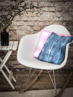 Upcycling DIY: Aus einem alten Herrenhemd wird ein cooles Shibori-Kissen. {Werbung   Verlosung} by http://titatoni.blogspot.de/