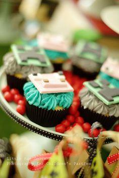 Minecraft Cupcakes! Minecraft Party with So Many Awesome Ideas via Kara's Party Ideas Kara Allen KarasPartyIdeas.com #MinecraftParty #BoyParty #PartyIdeas #minecraftcupcakes