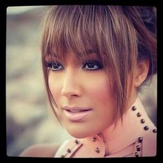 ♥ the bangs are amazing! I am thinking of going back to this