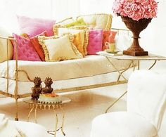 french day bed and pillows