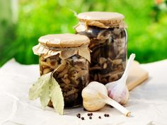 Pickled vegetables, easy pickles, pickled veggies, DIY pickle gift, mushrooms