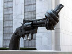 La pistola anudada, Nueva York (Estados Unidos) Logotipo del Non-Violence Project