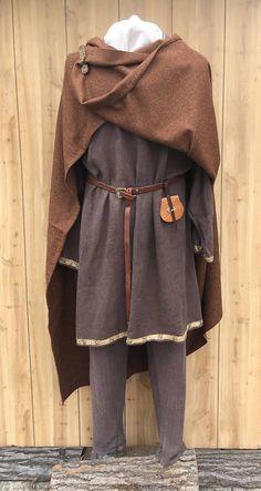 Viking Cloak~ Rusty Brown Wool Cloak~ Wool Square Cloak~ Norse Cloak~Anglo Saxon Cloak~ Valkyrie Style Cloak~ Medieval cloak.
