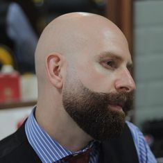 Cool short beard - Beards hold a whole lot of importance for a guy, and the styles keep on getting better daily. The Mutton Chops beard, for example,. Bald Head With Beard, Bald Men With Beards, Great Beards, Awesome Beards, Beard Fade, Sexy Beard, Beard Styles For Men, Hair And Beard Styles, Mutton Chops Beard