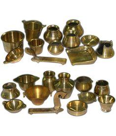ancient utensils of india Kitchen Shop, Toy Kitchen, Kitchen Items, Brass Kitchen, Vintage Kitchen, Modern Kitchen Furniture, Kitchen Utensil Set, Miniature Kitchen, Kitchen Collection