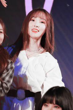 Gfriend Yuju, Cloud Dancer, G Friend, Korean Singer, Ultra Violet, Love Her, Twitter, Shit Happens, Concert