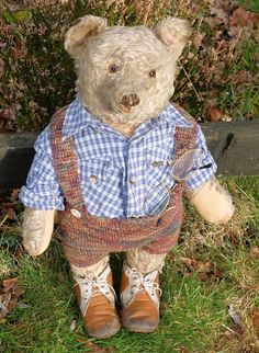 Heinrich  large old Steiff bear for sale currently on our website.. www.   37bbb3539507