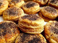 Tepertős pogácsa teljes kiőrlésű lisztből, ez a recept egyszerűen bámulatos! Bagel, Muffin, Food And Drink, Sweets, Bread, Breakfast, Morning Coffee, Gummi Candy, Candy