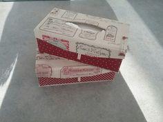 Danièle de Montpellier a terminé hier ces deux jolies  boîtes à Mouchoirs rectangulaires aimantés en lin . Ces lins vous les trouverez dans le site de mère en fille. Comme d habitude Danièle  travaille que ou presque que du lin! Tes choix de Tissus sont très Beaux Danièle !  Bisous fatima