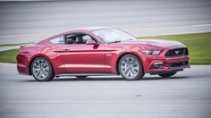 2015 Ford Mustang GT Premium Coupe right track