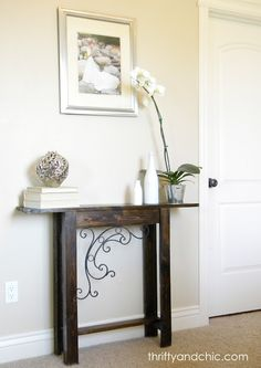 Custom Sofa Table * DIY sofa/side/hallway table - or whatever else you can find a use for! SO simple & other DIY ideas !* DIY sofa/side/hallway table - or whatever else you can find a use for! SO simple & other DIY ideas ! Narrow Sofa Table, Diy Sofa Table, Sofa Tables, Console Tables, Narrow Entryway Table, Entryway Console, Wood Table, Decoration Bedroom, Entryway Decor