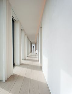The Ian Schrager penthouse in the Herzog and de Meuron–designed 40 Bond in New York. Interior architecture by minimalist master John Pawson, with finishes by designer Christian Liaigre. Minimalist Architecture, Minimalist Interior, Architecture Details, Interior Architecture, Ancient Architecture, Sustainable Architecture, Landscape Architecture, John Pawson, Home Interior