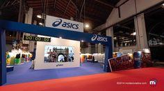 Stand ASICS, en la Feria del corredor de maratón en Barcelona.