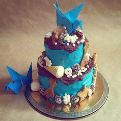 Сегодня так. #торт #тортназаказ #тортназаказмосква #оригами #журавлик #синяяптица #синий #голубой #зефир #шоколад #маршмеллоу #праздник #деньрождения #cake #birthdaycake #birthdayparty #party #chocolate #blue #origami #marshmallow #cookies #stars #печенье #звезды #комета