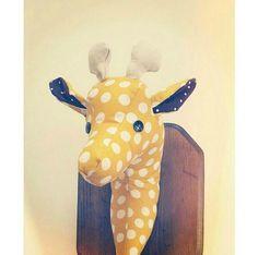 Mural en peluche girafe jaune décor de par KelseyDavisDesign, $40.00