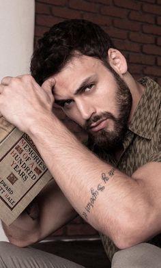 'Bello' Cover Boy: Ryan Guzman Those eyes and that beard! Ryan Guzman, Beard Styles For Men, Hair And Beard Styles, Beautiful Men Faces, Gorgeous Men, Beard Shampoo, Cover Boy, Awesome Beards, Handsome Faces