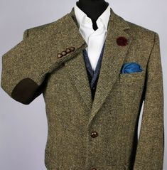 Room for down liner; vest or jacket  Harris Tweed Jacket Blazer Wedding Country 46R BARUTTI COLLECTORS TWEED 1875 #HarrisTweed #Blazers Men Blazer, Blazer Jacket, Harris Tweed Jacket, Wedding Country, Men Wear, Blazers For Men, Men's Clothing, Dapper, Men's Fashion