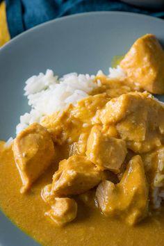 Zartes Erdnuss-Hähnchen aus dem Slowcooker Slow Cooker Recipes, Low Carb Recipes, Cooking Recipes, Lamb Curry, Thai Red Curry, Crockpot, Food And Drink, Super, Eat